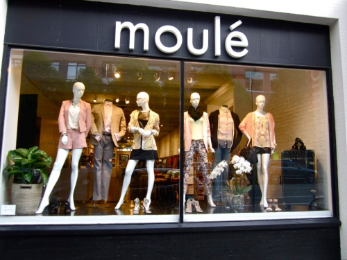 Moule Yaletown storefront (from http://moulelife.wordpress.com/2013/05/10/moule-yaletown/)