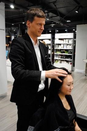 A nice head massage