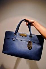LOVE this BLUE!