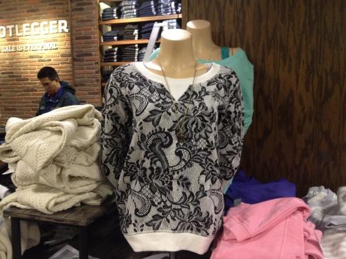 Bootlegger-womens-sweatshirt